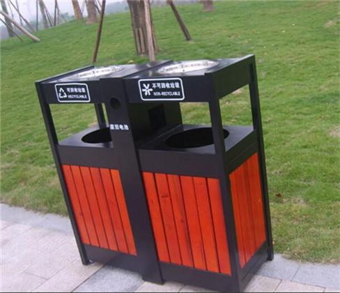 重庆鑫安园林设施提醒大家垃圾桶要选有盖的